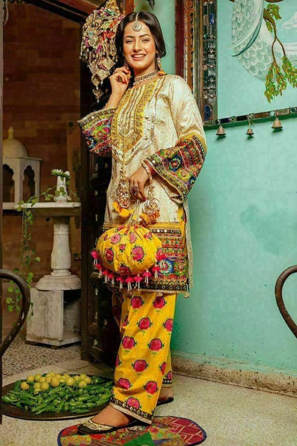 Embroidered Zahra Ahmad Linen and Wool Shawl Fabric